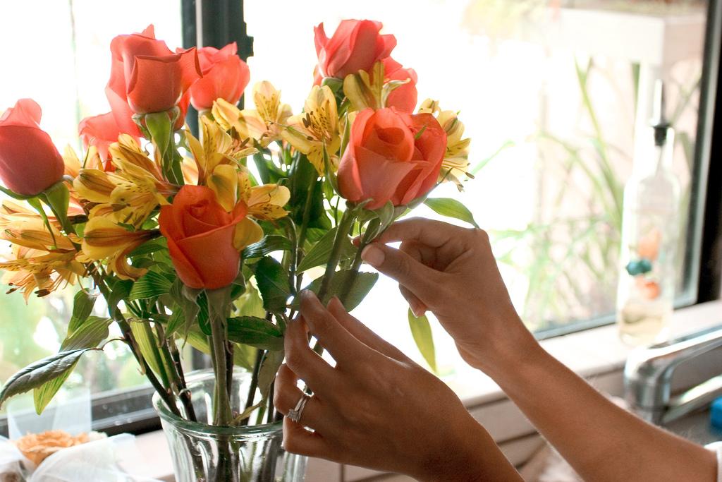 Как ухаживать за срезанными цветами чтобы они дольше хранились
